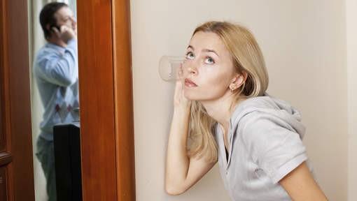 Women spying on men